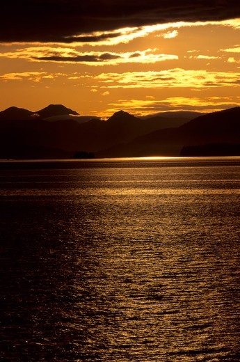 Usa, Alaska, Inside Passage, Frederick Sound, Admirality Island, Sunset : Stock Photo