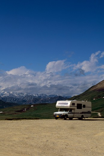 Usa, Alaska, Denali National Park, Stoney Hill Overlook, Mt. Mckinley (Denali), Rv : Stock Photo