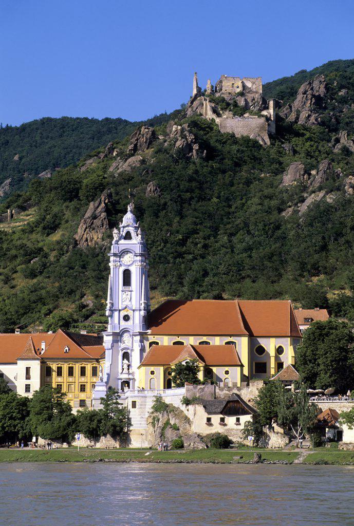 Stock Photo: 4168-8248 Austria, Wachau Valley, Durnstein Abbey and castle