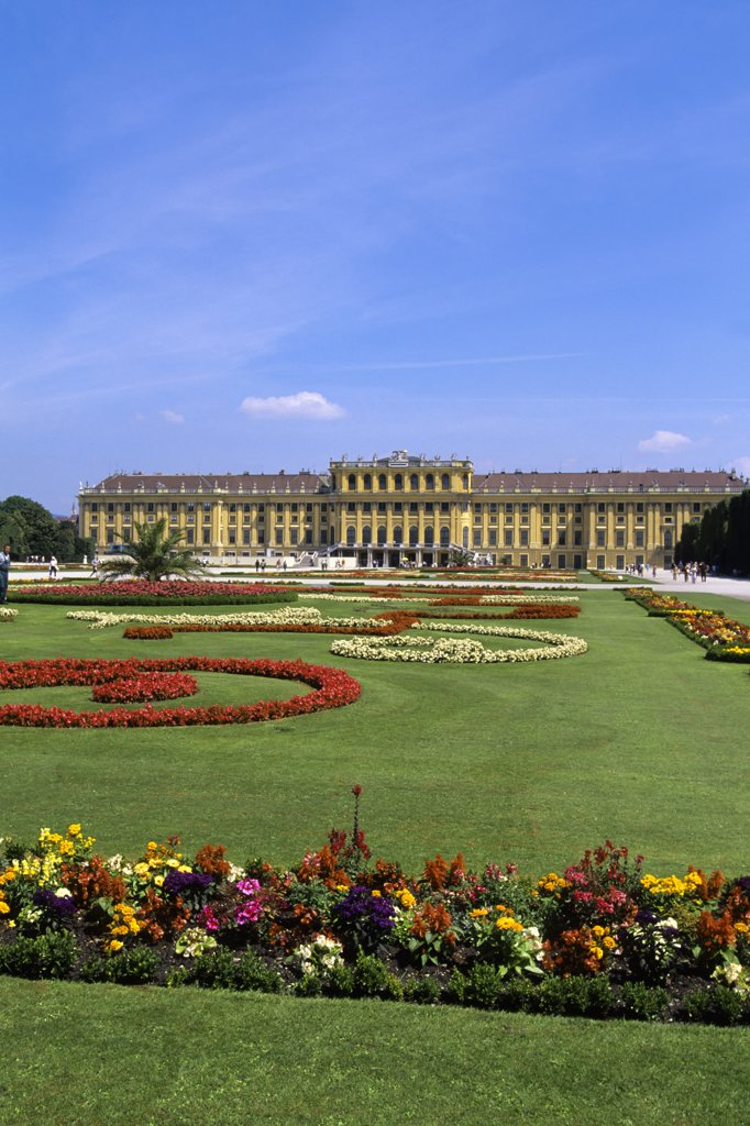 Stock Photo: 4168-8280 Austria, Vienna, Schonbrunn Palace garden