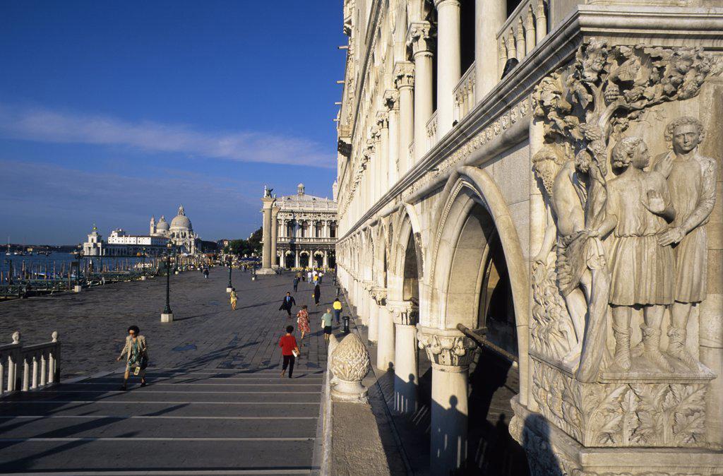 Stock Photo: 4168-8739 Italy, Venice, San Marco Quarter, St, Mark's Square, Doges Palace from Paglia Bridge, Corner statues