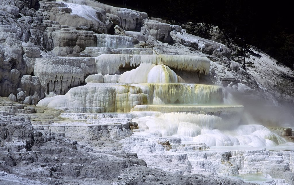 Stock Photo: 4168-8945 Usa, Wyoming, Yellowstone National Park, Mammoth Hot Springs, Minerva Spring