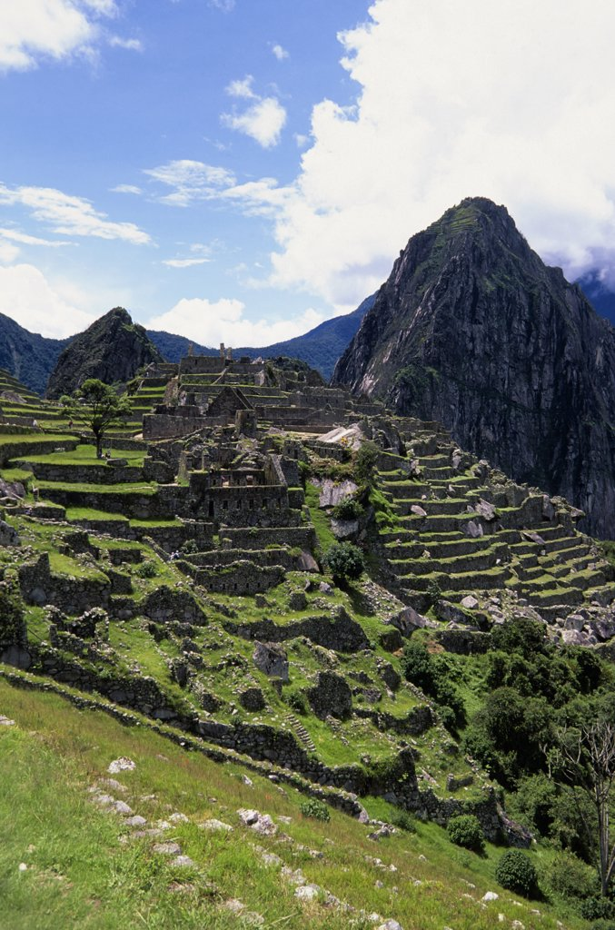 Peru, Sacred Valley, Machu Picchu With Huayna Picchu In Background : Stock Photo