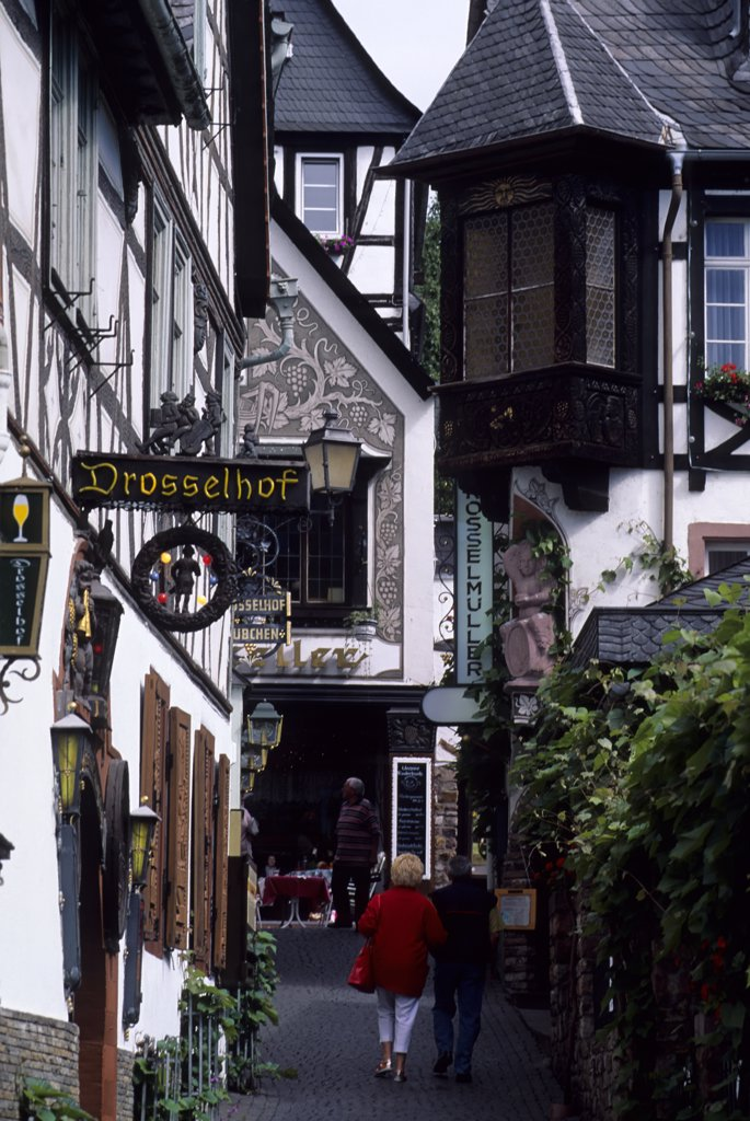 Stock Photo: 4168-9894 Germany, Rhine River, Ruedesheim, Drosselgasse