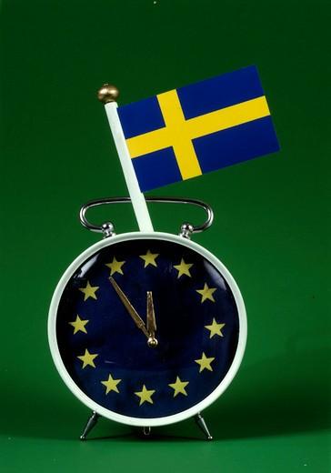 Stock Photo: 4176-12230 EU-clock with Swedsh flag