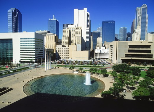 City Hall Plaza Fountain in downtown Dallas : Stock Photo