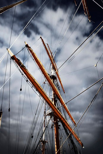 Stock Photo: 4176-15498 Mast of a big sailboat