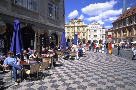 CZECH REPUBLIC PRAGUE LESSER TOWN SQUARE MALOSTRANSKE NAMESTI LESSER TOWN : Stock Photo