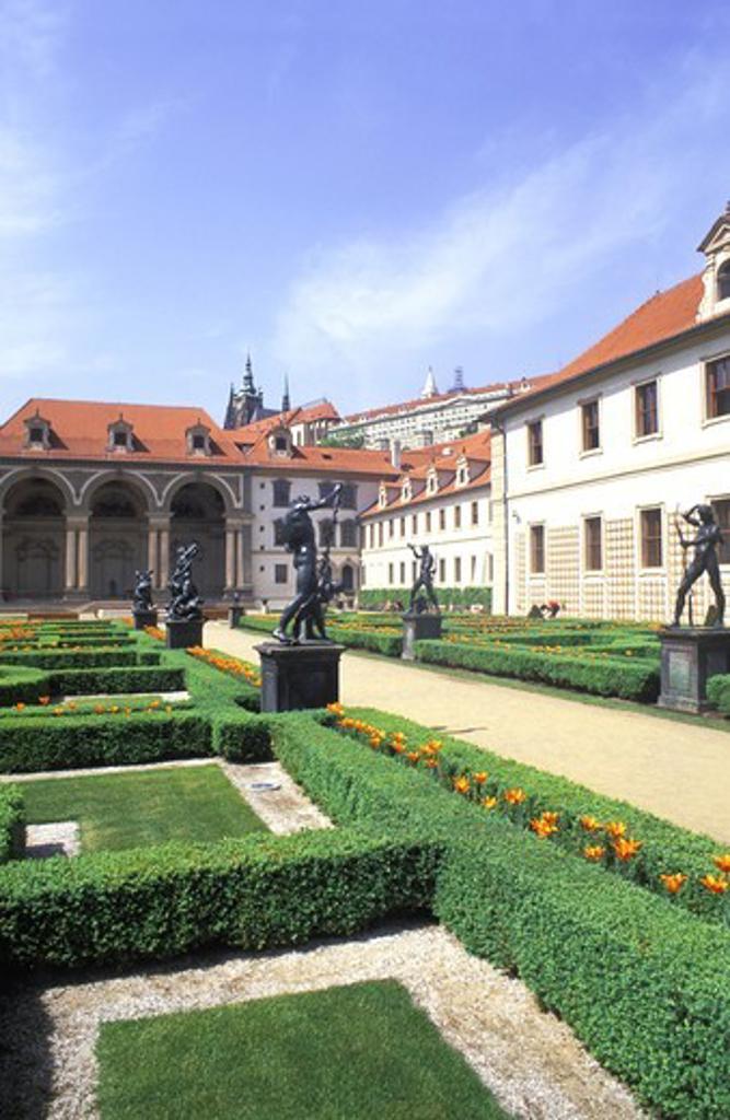 Stock Photo: 4176-17178 CZECH REPUBLIC PRAGUE VALDSTEJNSKA GARDEN MALA STRANA LESSER TOWN