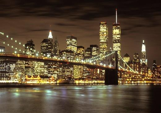 USA NEW YORK CITY LOWER MANHATTAN BROOKLYN BRIDGE WORLD TRADE CENTER : Stock Photo