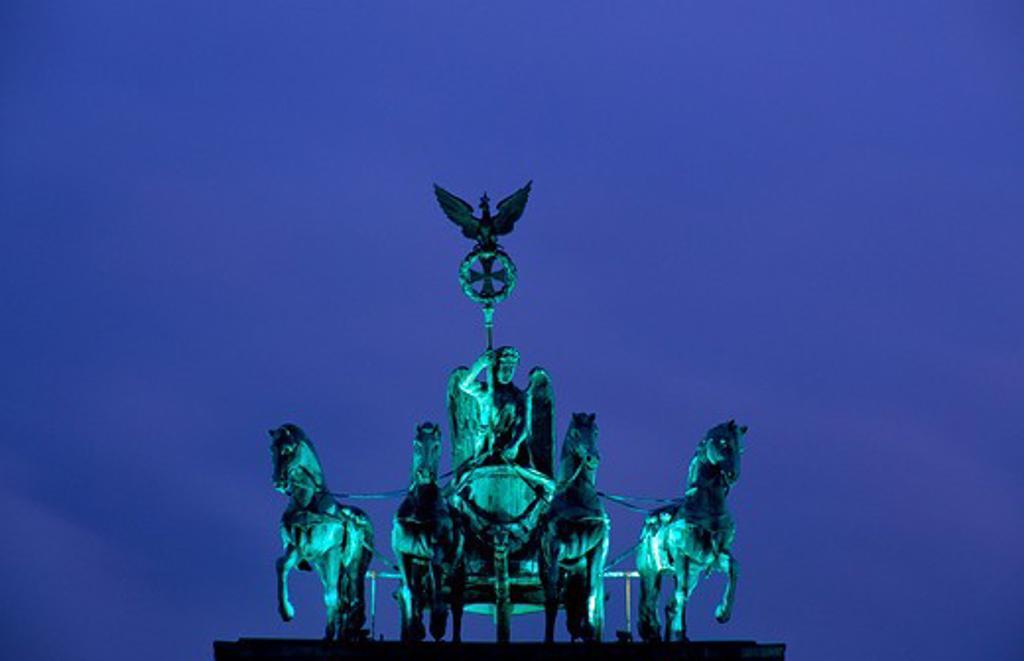 Stock Photo: 4176-26564 Germany, Berlin - Low angle view of a statue, Quadriga Statue, Brandenburg Gate