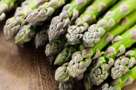 Stock Photo: 4183R-126 Close up of fresh green organic asparagus