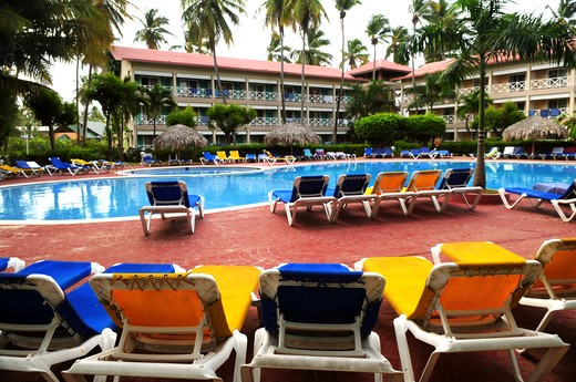 Stock Photo: 4183R-2378 Swimming pool and accommodation at tropical resort