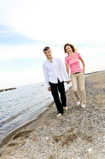 Stock Photo: 4183R-313 Mature romantic couple of baby boomers enjoying outdoors