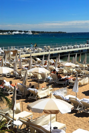 View on the beach from Croisette promenade in Cannes, France : Stock Photo