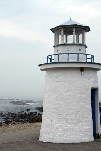 Small lighthouse on the Altantic coast in Maine, USA : Stock Photo