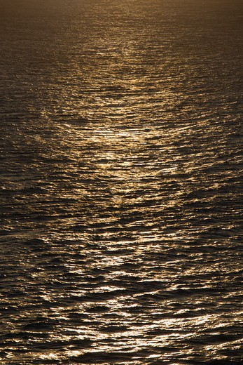 Stock Photo: 4184R-4660 Sun reflected on ocean.