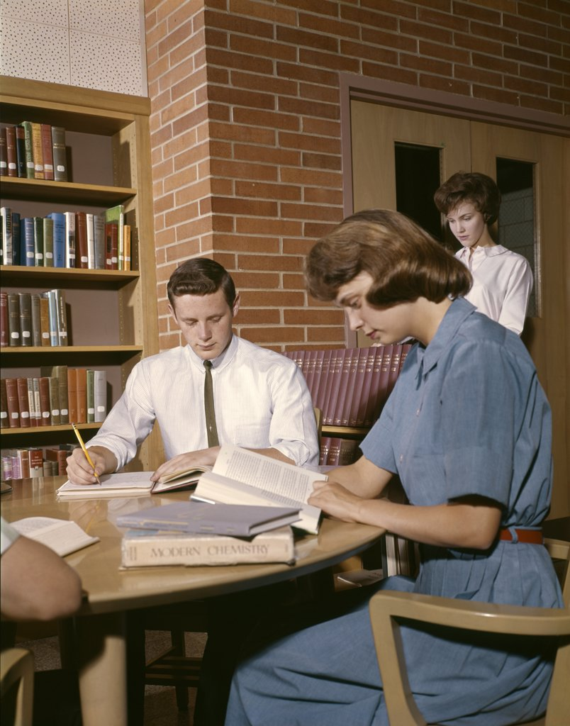 Stock Photo: 4186-11331 1960S College Students Study Chemistry