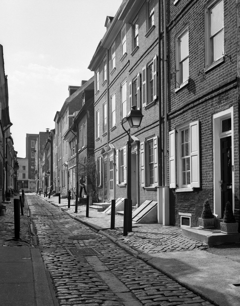Elfreth'S Alley In Philadelphia Narrow Historical Belgian Block Street Lined With Quaint Row Homes : Stock Photo