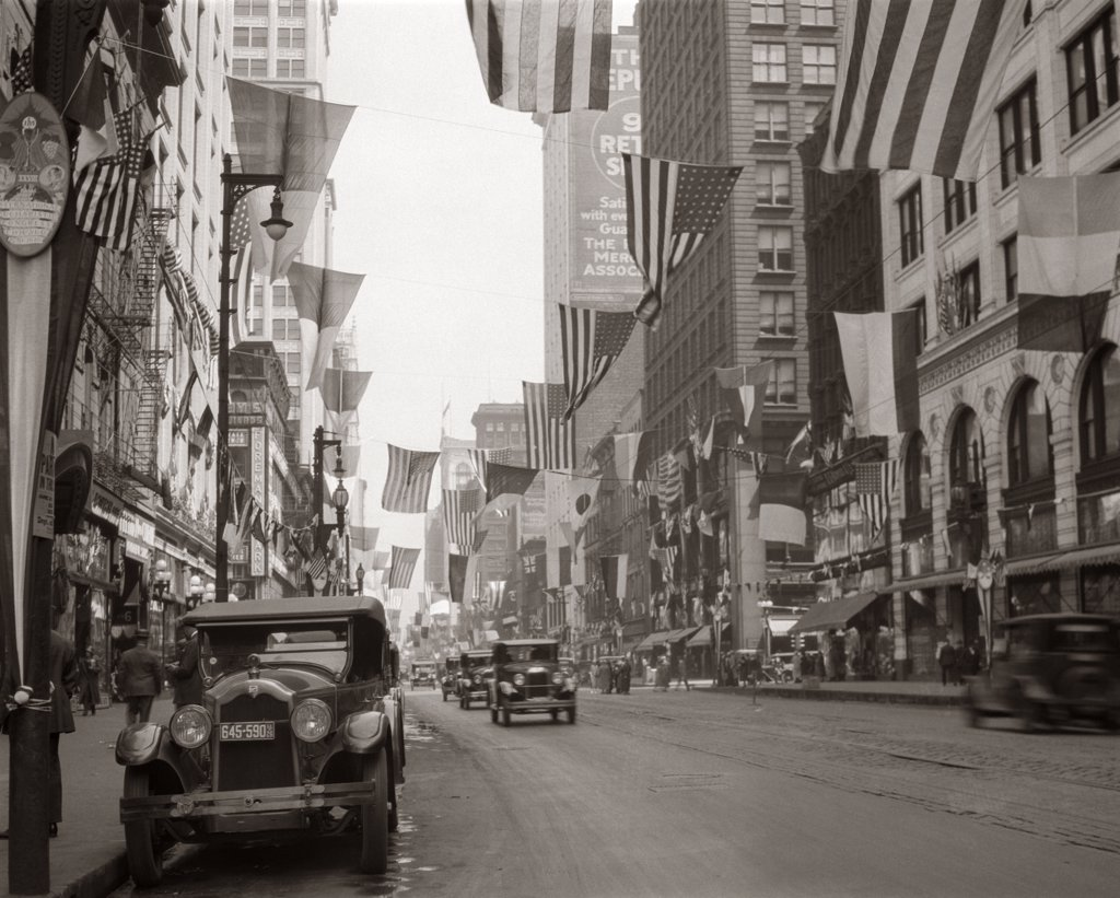 Stock Photo: 4186-14879 1926 Downtown Chicago'S State St. With Flags