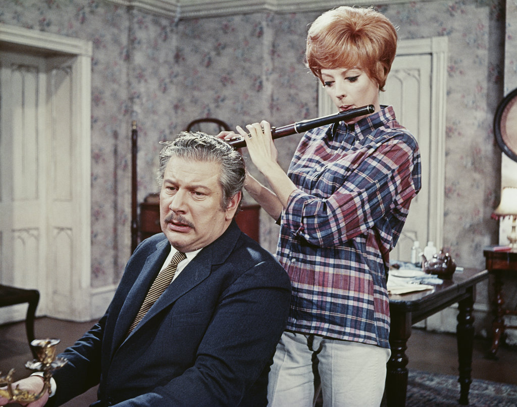 Stock Photo: 4186-753 1960S 1968 Film Hot Millions Peter Ustinov, Maggie Smith