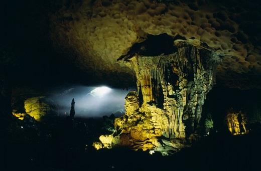 Stock Photo: 4192-8517 Surprise Cave, Halong Bay, Vietnam