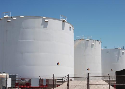 Stock Photo: 4193R-1281 petroleum storage tanks