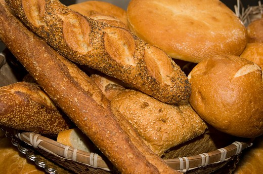Stock Photo: 4193R-287 A basket full of assorted bread