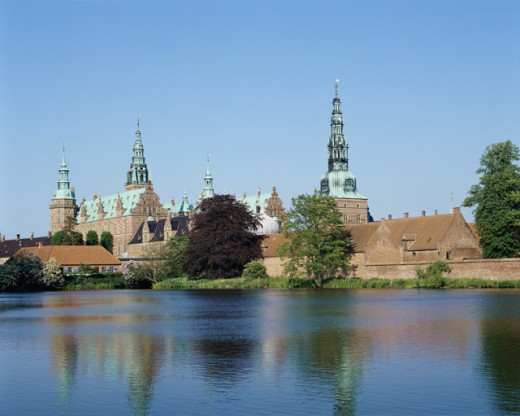 Stock Photo: 42-5796 Low angle view of a castle, Frederiksborg Castle, Hillerod, Denmark
