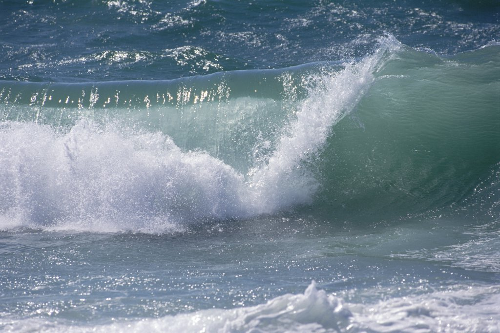 Breaking waves, California : Stock Photo