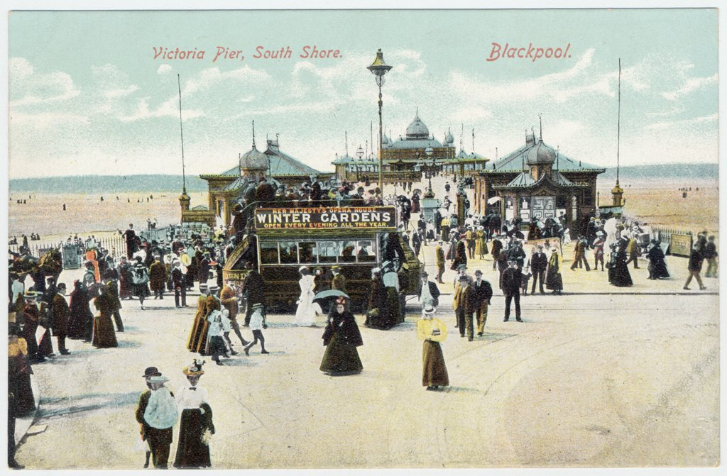 Stock Photo: 4220-2048 At the end of the VictoriaPier, South Shore, Blackpool,LancashireDate: circa 1905