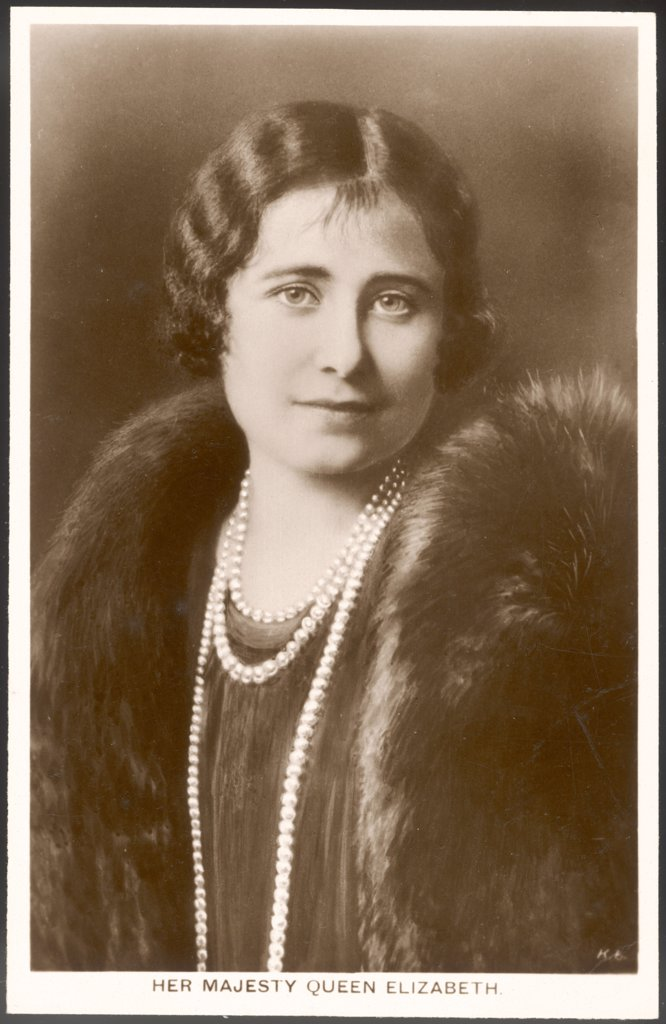 Stock Photo: 4220-3612 ELIZABETH, WIFE OF GEORGE VI          Date: 1900 - 2002