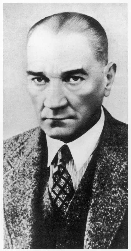(MUSTAPHA) KEMAL ATATURK  Turkish soldier, statesman and  president who created modern  Turkey      Date: 1881 - 1938 : Stock Photo