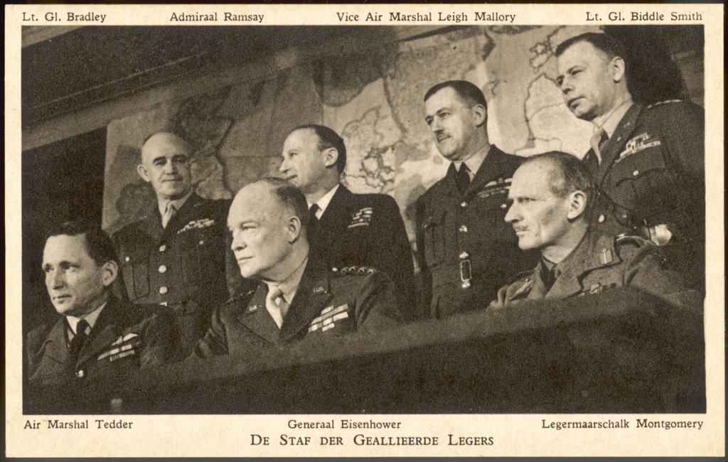 The Allied general staff for  the invasion - Air Marshal  Tedder, gen. Bradley,  Eisenhower, Admiral Ramsay,  Leigh-Mallory, Montgomery,  lt.gen. Biddle Smith     Date: June 1944 : Stock Photo