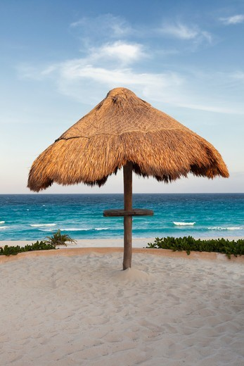Sunshade on the beach at Cancun, Yucatan Peninsula, Quintana Roo, Mexico : Stock Photo