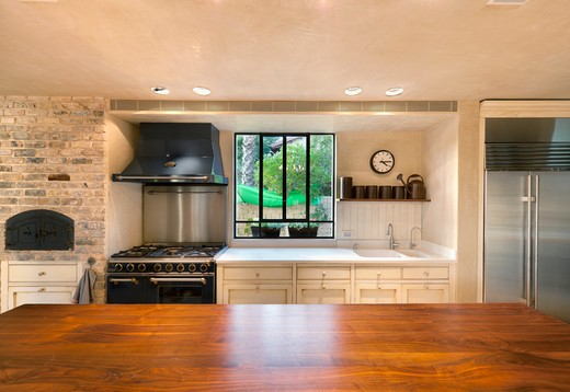 Large Counter Top in a Home Kitchen : Stock Photo