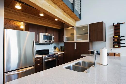 Efficiency Apartment Kitchen : Stock Photo
