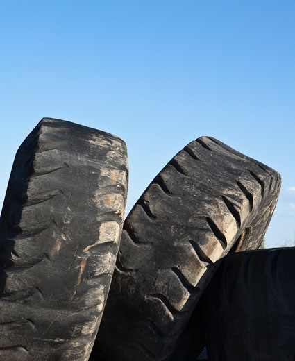 Discarded rubber auto tires : Stock Photo
