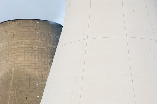 Cooling towers at oil refinery, Grangemouth, Scotland. : Stock Photo