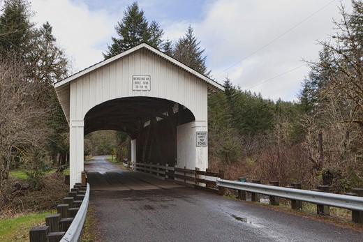 Wendling Covered Bridge, Oregon, USA : Stock Photo