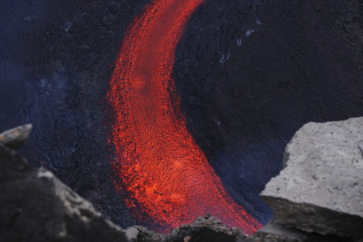 March 25, 2010 - Fimmv_rduhals lava flow, Eyjafjallaj_kull, Iceland : Stock Photo