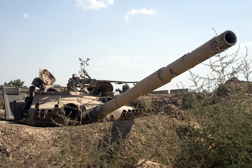 Stock Photo: 4239R-1483 Destroyed Iraqi tanks near Camp Slayer, Baghdad, Iraq