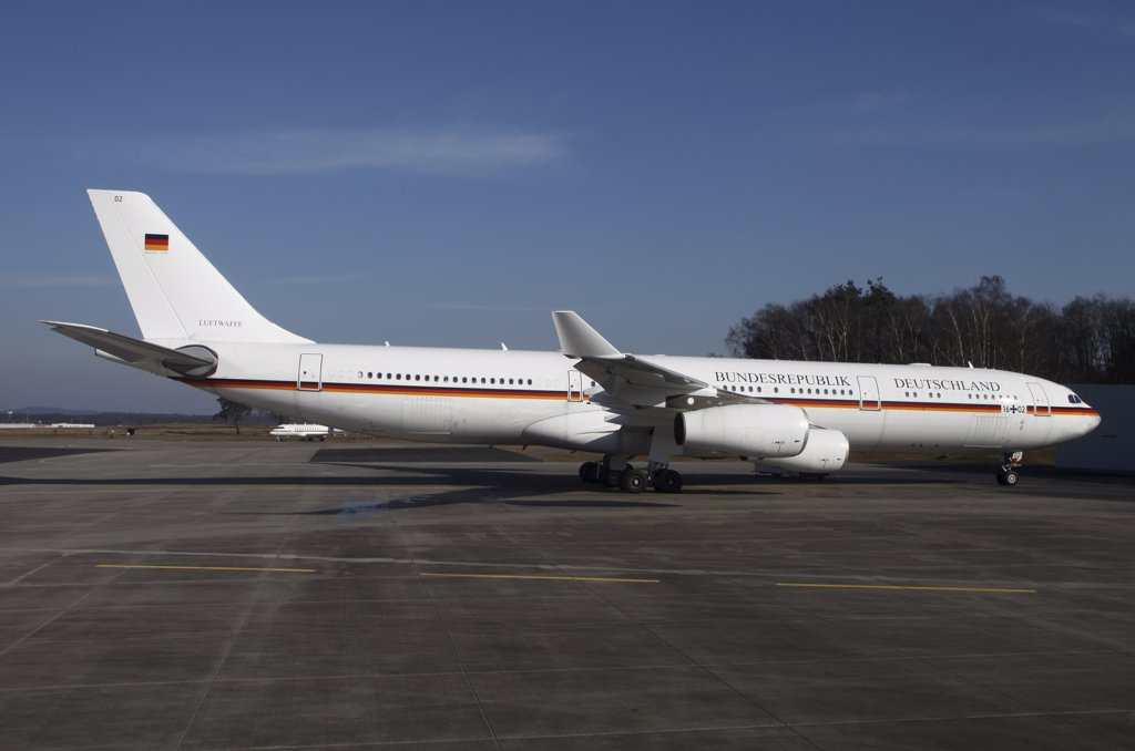 Stock Photo: 4239R-4089 Cologne Airfield, Germany - An Airbus 340 acting as Air Force One for the German Air Force.