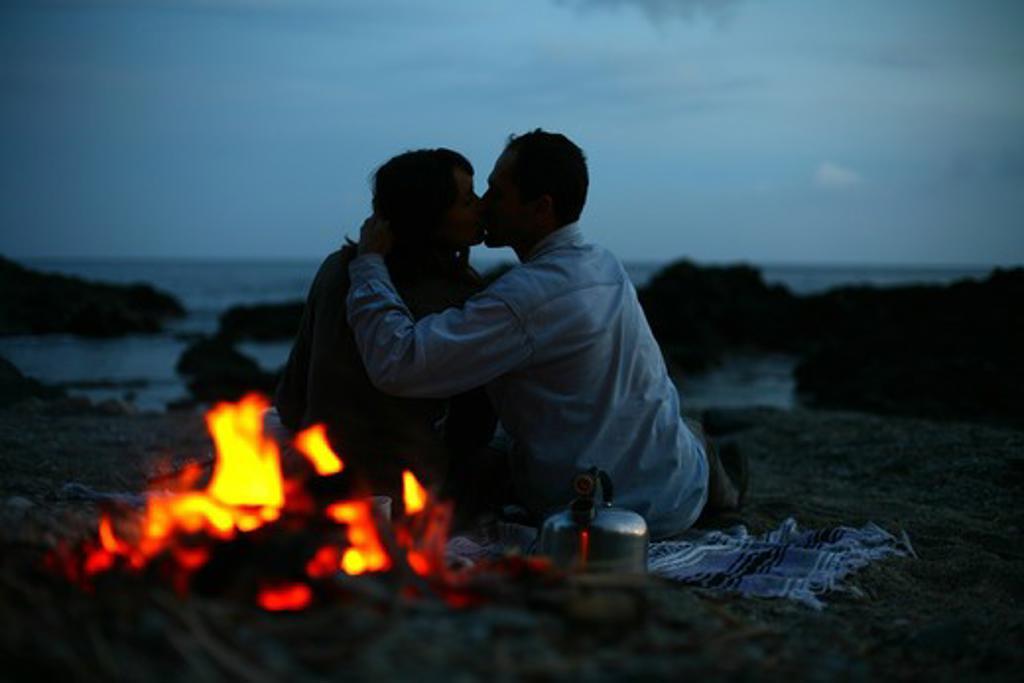 Stock Photo: 4252-10307 Couple beach winter