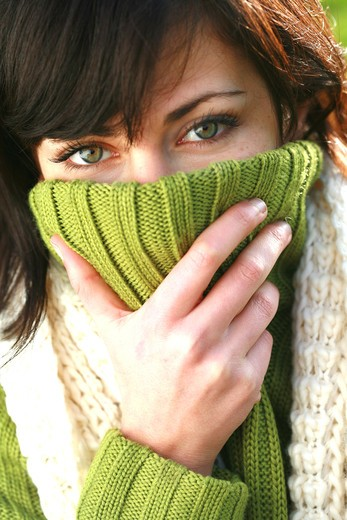 Stock Photo: 4252-10410 Woman winter cold