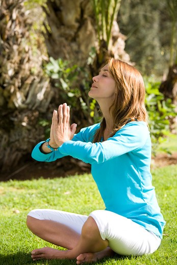 Stock Photo: 4252-18471 Woman yoga.