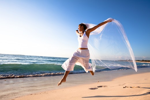 Stock Photo: 4252-19290 Bride energy beach