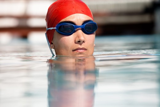 Woman natation pool : Stock Photo