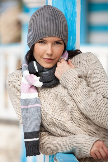 Woman winter portrait : Stock Photo
