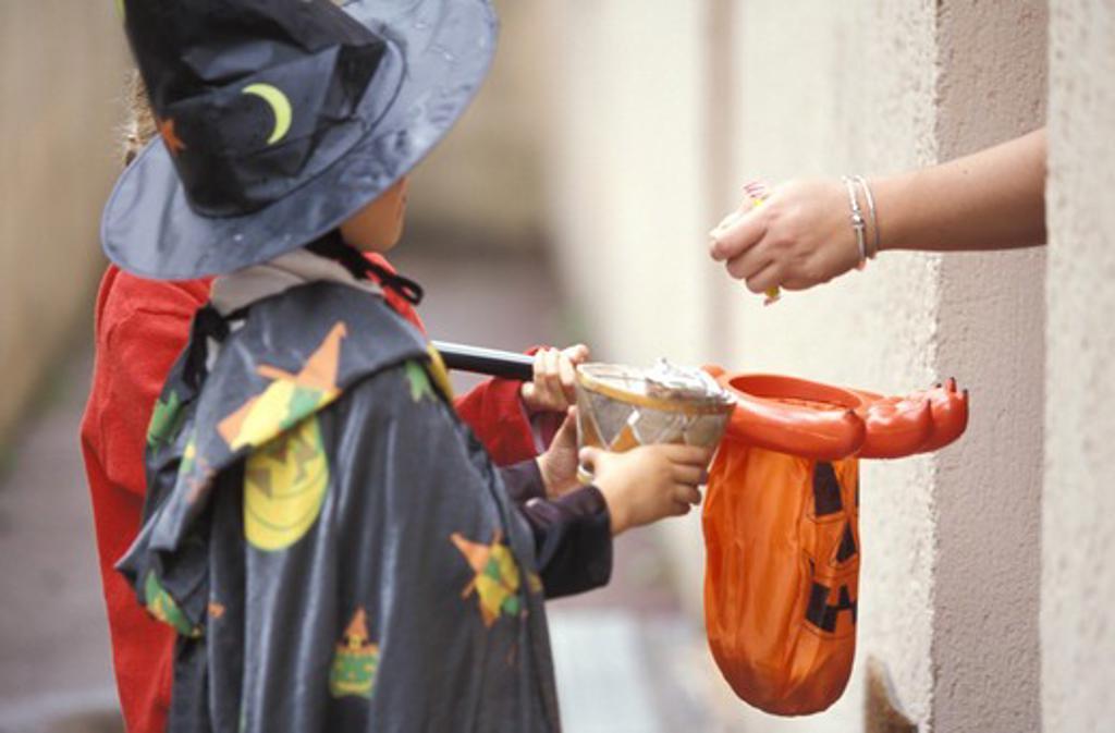 Stock Photo: 4252-2571 Children Halloween